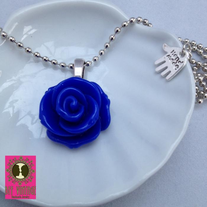 BFF Vintage -Zilveren ballchain met grote koningsblauwe bloemhanger